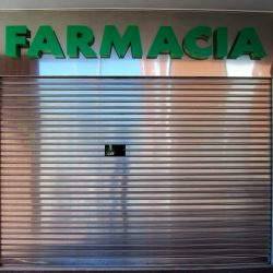 persiana acero inoxidable ciego para farmacias
